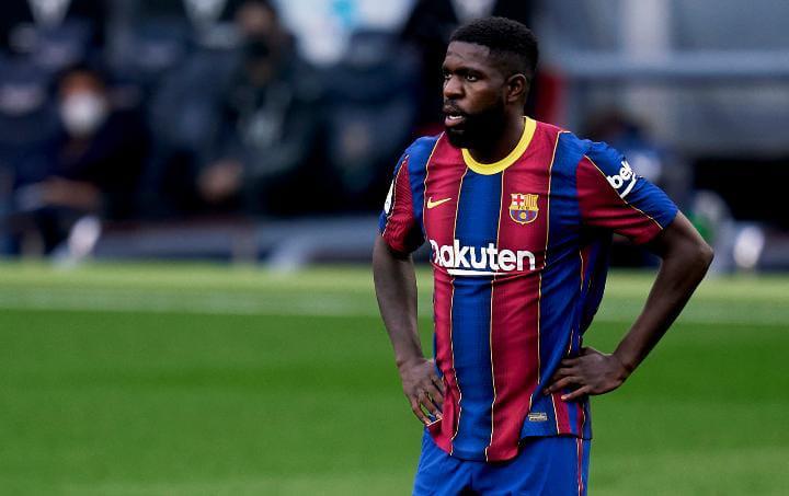 الفيفا يهدد برشلونة بخسارة مدافعه الفرنسي أومتيتي مجانا