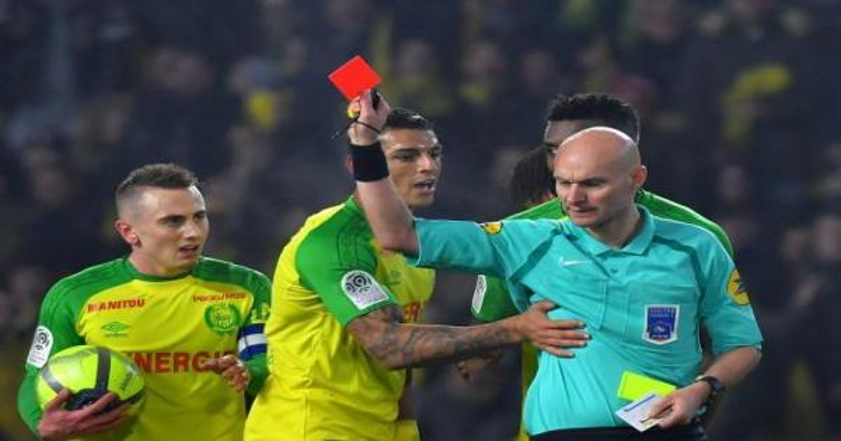 بطولة فرنسا: ايقاف حكم واقعة مباراة نانط وسان جرمان