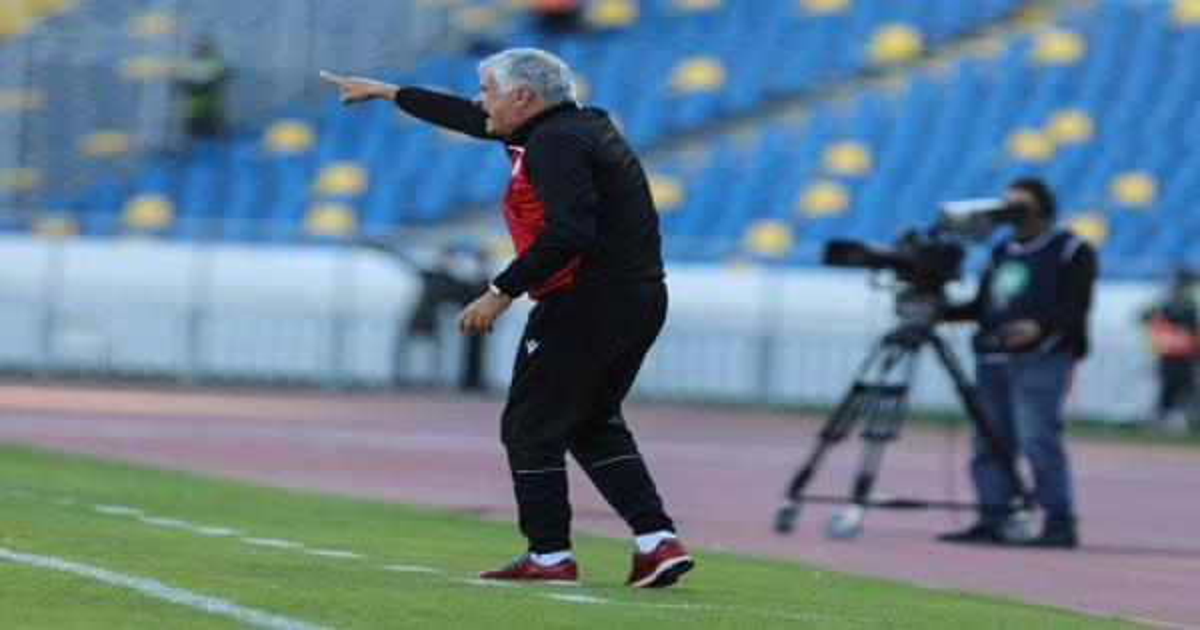 تقرير  المنتخب  : 3 ضغوطات تحاصر مانولوفيتش لمواجهة اتحاد الجزائر
